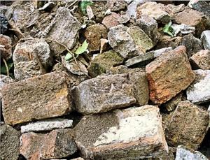 Row 1 No 3 Vic Bricks for wall