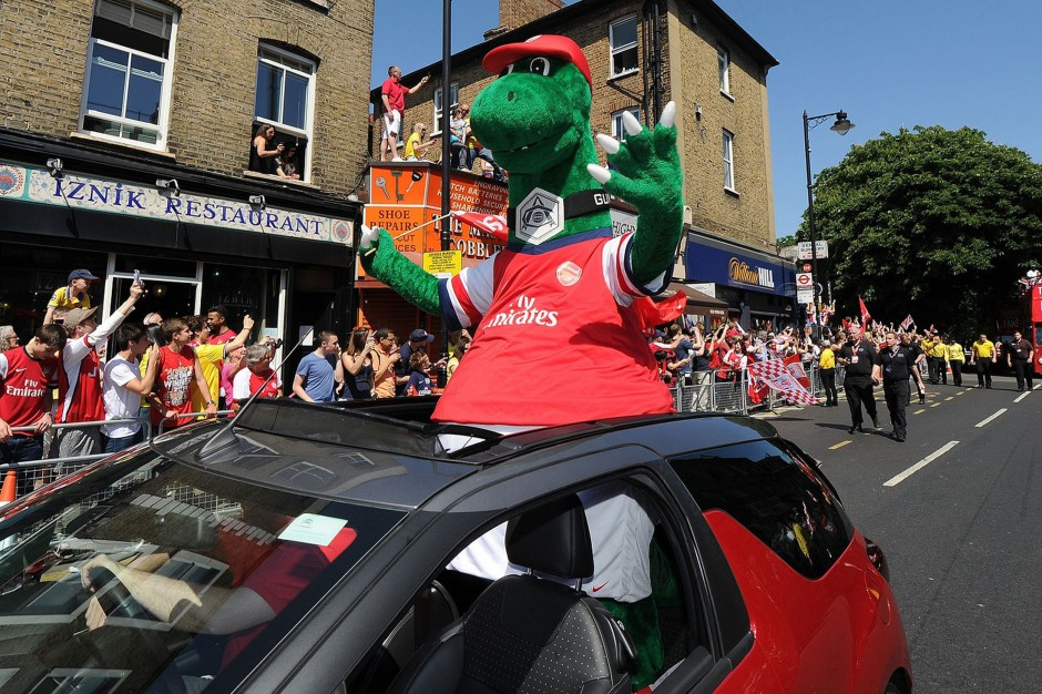 Official Gunnersaurus photo in F A Cup parade through Highbury